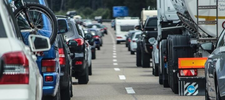 Tempolimit: Deutsche Umwelthilfe will Tempo 120 auf deutschen Autobahnen durchsetzen