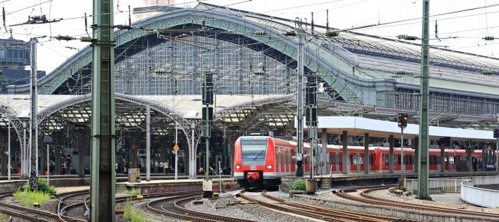 Neue Streiks vorerst abgewendet: Bahn und GDL einigen sich – EVG will neu verhandeln