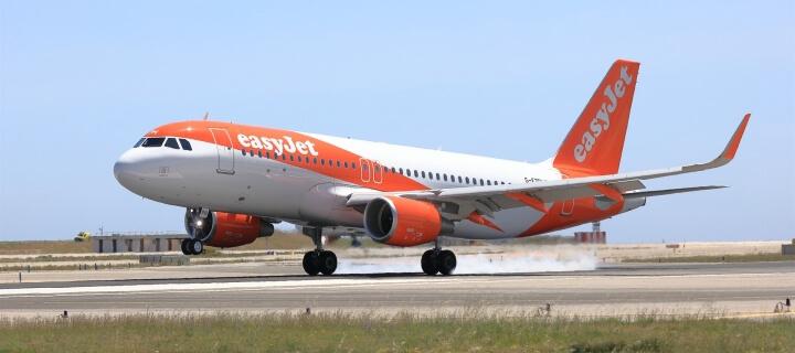 easyJet: Airline macht wegen Corona mehr als 900 Millionen Euro Verlust