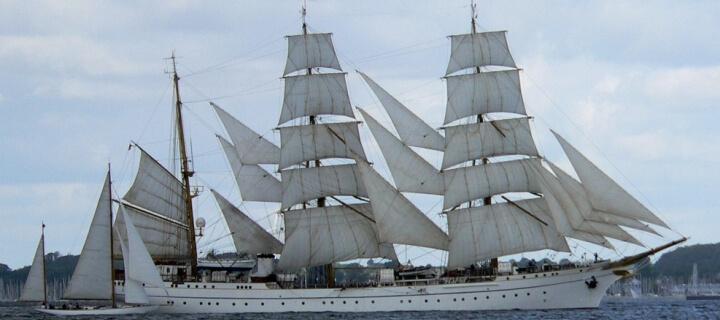 Nach Sanierung: Segelschulschiff Gorch Fock hat wieder Wasser unter dem Kiel