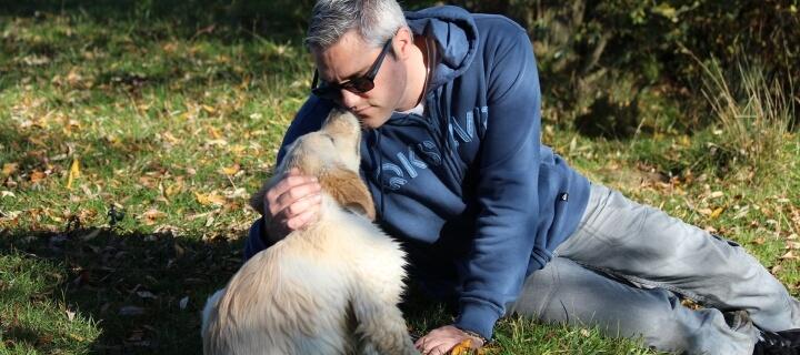 Bremen: Mann stirbt rund zwei Wochen nach Hundekuss an schwerer Sepsis