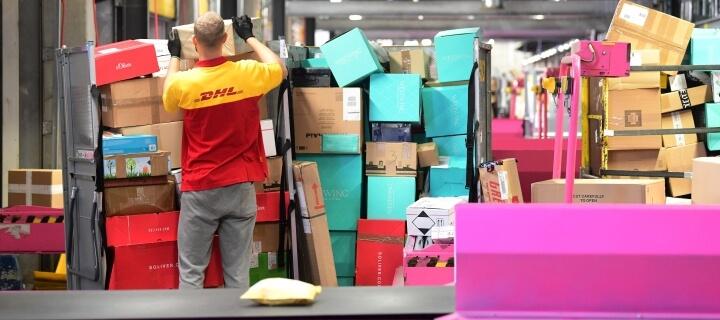 DHL: Amazon-Pakete sollen angeblich bevorzugt ausgeliefert werden