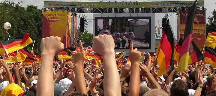 WM 2006: Ehemalige DFB-Präsidenten Niersbach und Zwanziger müssen auch in Deutschland vor Gericht