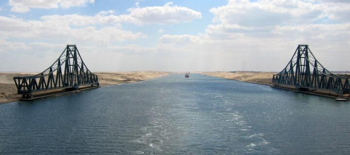 """Containerschiff """"Ever Given"""" in Suezkanal havariert – Deutsche Wirtschaft in Sorge"""